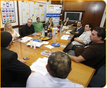 ועדת המצטיינים התכנסה במנהלת
